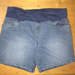 In due time maternity denim shorts medium